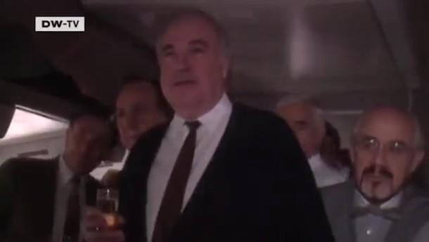 """Helmut Kohl auf dem Rückflug von Gorbatschow: """"Auf Deutschland."""""""