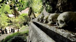 Lächeln für die Ewigkeit: Die Grabstätte Kete Kesu im Land der Toraja