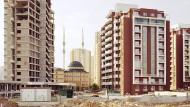 Erdogan will ein großer Präsident sein und er liebt den Pomp. Das zeigt nciht nur sein Palast, sondern auch der unermüdliche Bau neuer Moscheen wie hier in Ankara.
