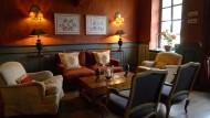Sehr gediegen: die Bar im Hotel Linslerhof