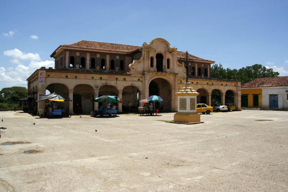 Die Keimzelle des Kolonialstädtchens: Plaza de la Concepción am Malecón.