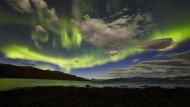 Nordlicht kann süchtig machen. Deshalb verschlägt es immer mehr Besucher ins winterliche, immer dunkle Tromsö im Norden Norwegens.