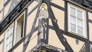 Keine Fassade ohne Schnitzkunst: Eschwege ist eine Schatztruhe des Fachwerks.