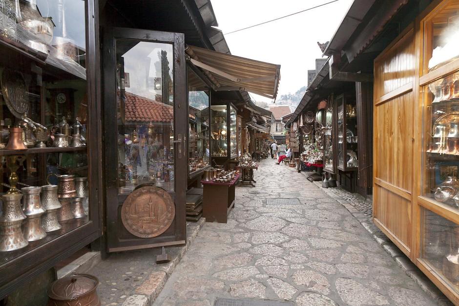 Das orientalische Viertel: die schmalen Gassen der Handwerkszünfte, steinerne Bazarbauten, versteckte Eingänge zu den Höfen der Karawansereien.