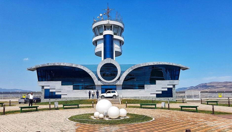 Der Hauptstadtflughafen in Stepanakert wartet auf Passagiere.
