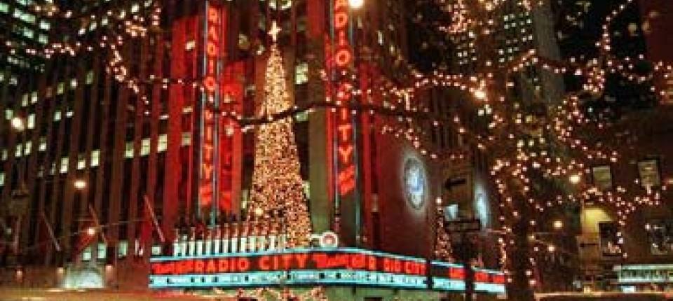 Weihnachtsmarkt Fehmarn.Weihnachtsmarkt In New York Weihnachtswald Reise Faz