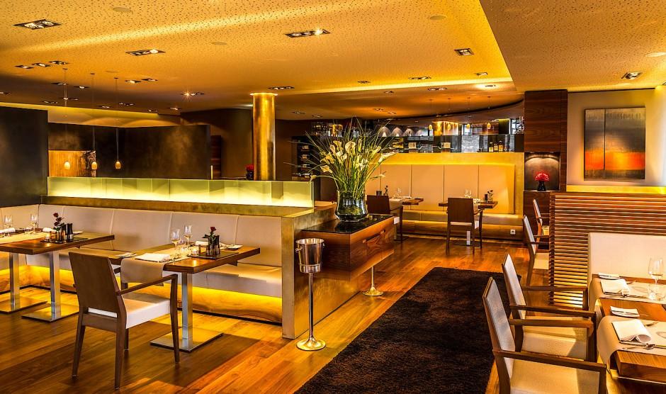 Goldberg ist der Name einer berühmten Weinlage in Fellbach - und in goldenen Tönen ist das gleichnamige Restaurant von Philipp Kovacs getaucht.