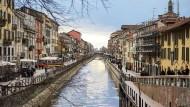 Blick auf den Naviglio Grande, den ältesten Kanal Mailands.