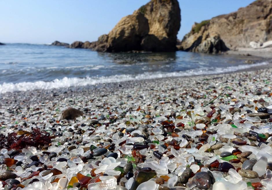 """Der """"Glass Beach"""" in Fort Bragg, Kalifornien"""