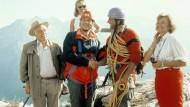 Am schönsten ist es, wenn die Fremden endlich weg sind: Die Familie Sattmann im zweiten Teil der Piefke-Saga, 1990.