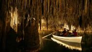 War er nun da oder nicht? Mallorcas Höhlen sind schon sehr lange als Touristenattraktionen bekannt.