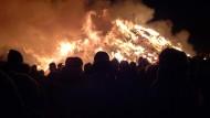 Feuer auf dem Feld, Gelassenheit im Herzen: die Biike bei Morsum
