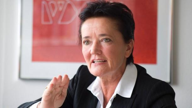 Rosemarie Heilig - Die Kandidatin von Bündnis 90/ Die Grünen bei der Oberbürgermeisterwahl in Frankfurt im Gespräch mit Hans Riebsamen.