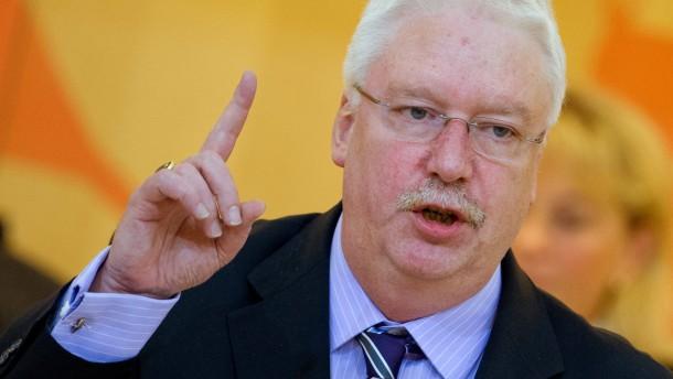 Rhein und Hahn bekräftigen Zweifel an NPD-Verbot