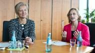 Chefinnen: Anti Schneider (links) ist SPD-Landrätin in Gießen, Dietlind Grabe-Bolz (SPD) ist Oberbürgermeisterin dieser Stadt