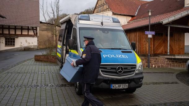 Mehr Polizisten angeklagt als bisher bekannt