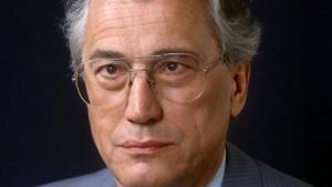 Trauer um früheren Minister Hans Krollmann