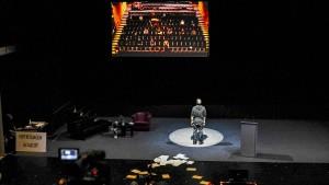Die Zuschauer gehen auf die Bühne