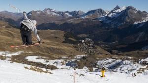 Mit Bus und Bahn ins Skigebiet
