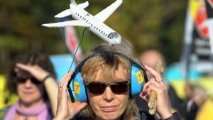 Die Gegner des Lärms wollen auf Dutzenden von Brücken demonstrieren