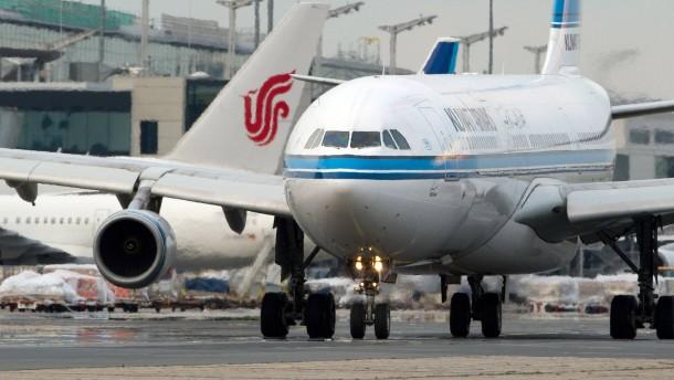 """Flugzeuge berühren sich auf Vorfeld """"sehr selten"""""""