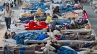 Dicht an dicht: Flüchtlinge in einer Notunterkunft im Herbst vergangenen Jahres in Hanau (Symbolbild)
