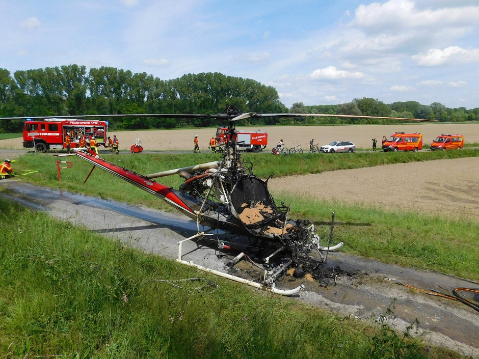 Ausgebrannt: Diesen Helikopter der Insektenbekämpfer hat es Ende Mai zerlegt – nun aber sind sie wieder startklar