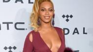 Und lächeln: Hier sieht Beyoncé aus, als wäre sie die Freundlichkeit in Person.