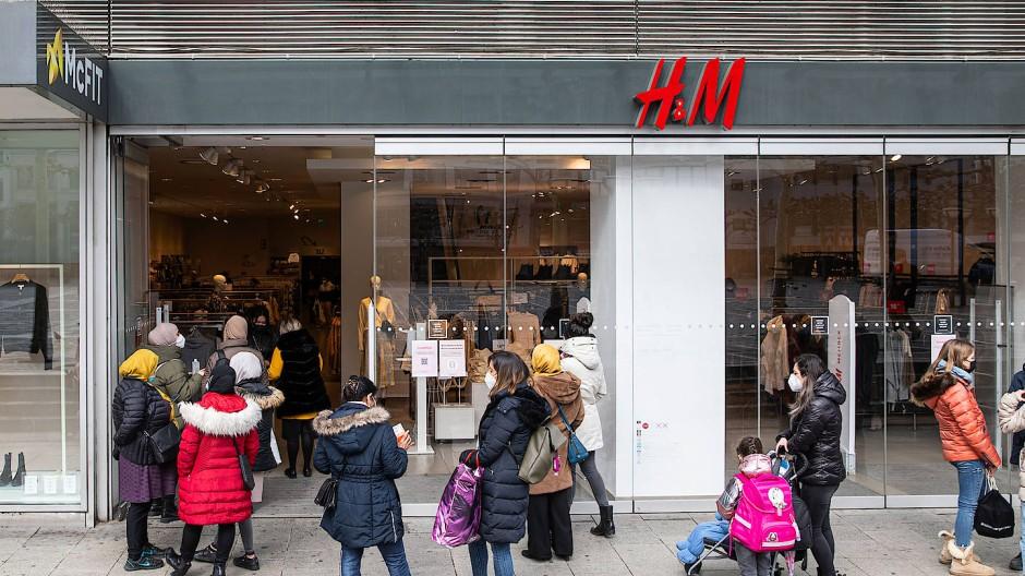 In der Kritik: Zuletzt war die Einzelhandelskette H&M mit ihrem Entlassungsprogramm in die Schlagzeilen geraten.