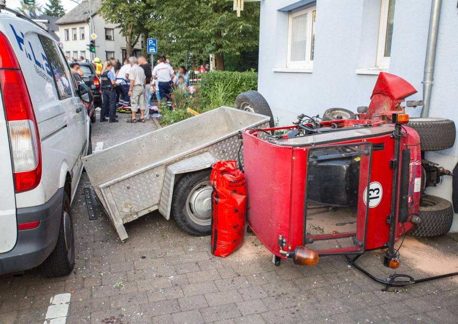 bild zu nach traktor unfall in bad camberg soll gutachten her bild 1 von 1 faz. Black Bedroom Furniture Sets. Home Design Ideas