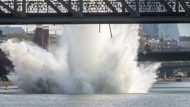 Weltkriegsbombe unter Wasser gesprengt