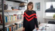 Multitaskerin: Ulrike Koock ist Ärztin, Mutter und Bloggerin. Jetzt hat die Medizinerin auch noch ein Buch geschrieben, in dem sie über Arbeit und Leben in Altenstadt, im nördlichen Wetteraukreis berichtet.