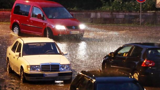 Gewitter und Regen halten Hessen im Griff