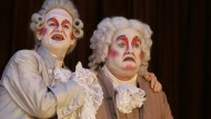 Polternd, kläffend, jammernd: Szene mit Michael Quast als Alkest und Matthias Scheuring als Philipp