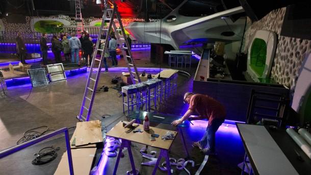 Moon 13 - Der neue Techno-Club wird in wenigen Tagen in den Räumlichkeiten des ehemaligen CocoonClubs in Frankfurt Fechenheim eröffnet.