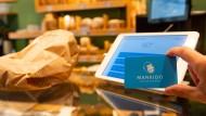 Eine für alle: Mit der Mankido-Karte sparen Kunden auf Prämien bei ihrem Lieblingsbäcker und anderswo.