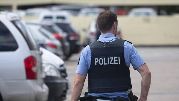 Mehrere Festnahmen nach Stein-Attacke auf Einsatzkräfte