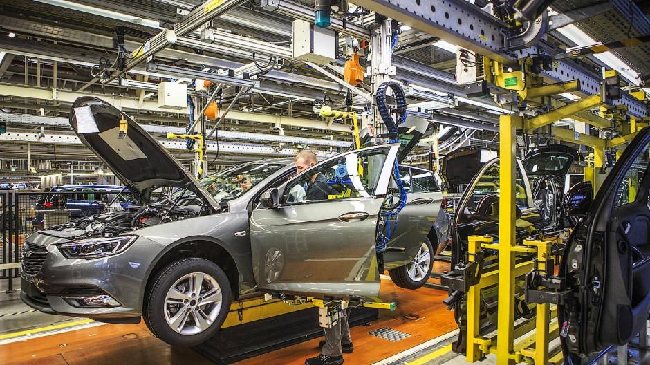 Made in Rüsselsheim: Das Stammwerk baut den Insignia und auch die Rechtslenker-Version des Fahrzeugs