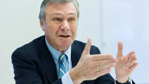 Gerhardt wegen angeblicher Privatfahrten in Kritik