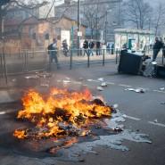 Gewaltausbruch: Brennende Container im Frankfurter Ostend am Tag der Eröffnung der Europäischen Zentralbank.