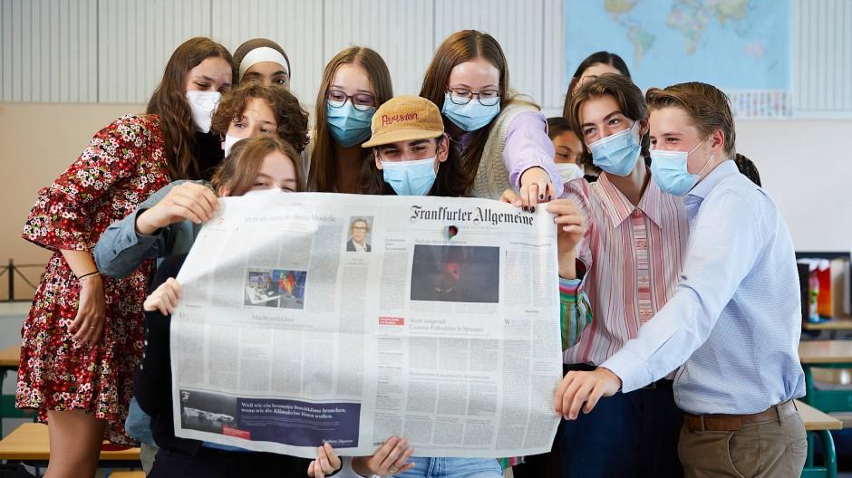 Junge kluge Köpfe: Die 10a der Bettinaschule hat beim Zeitungs-Projekt gleich mehrere Preise gewonnen