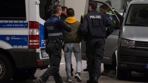 Hessen schiebt vermehrt abgelehnte Asylbewerber ab