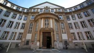 Naivem Rentner 120.000 Euro abgeschwatzt
