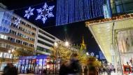 Beliebt auch und gerade im Weihnachtsgeschäft: Die Zeil in Frankfurt