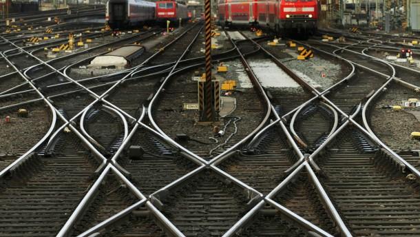 Deutsche Bahn und GDL setzen Tarifgespraeche fort