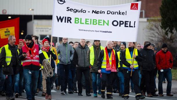 Segula-Beschäftigte wollen wieder für Opel arbeiten