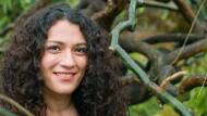 Die Wurzeln deutscher Autoren liegen überall: Safiye Can im Frankfurter Bethmannpark.