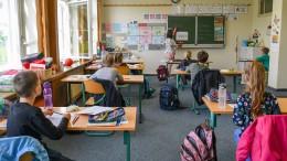 Schülervertreter fordern Hybridmodell und drohen mit Streik