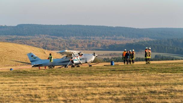 Flugplatz nach tödlichem Unfall für ortsfremde Piloten gesperrt