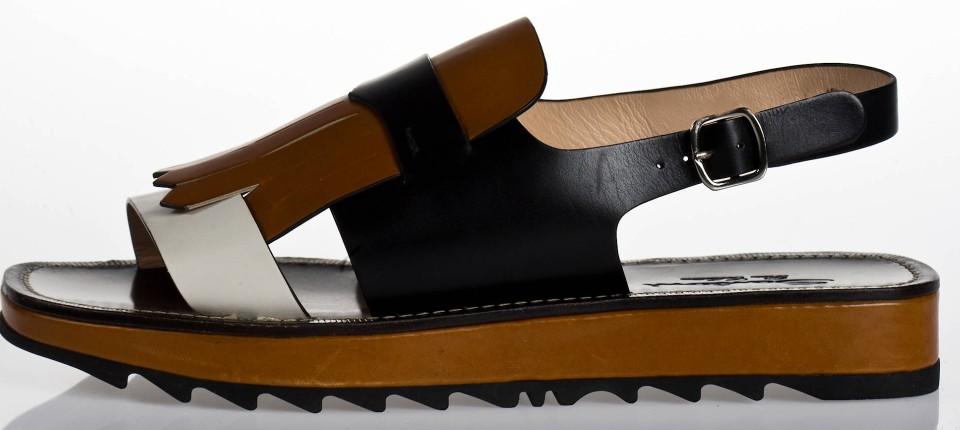 buy online 06cfc ac715 Sandalen mit dicken Sohlen sind Sommer-Trend 2016